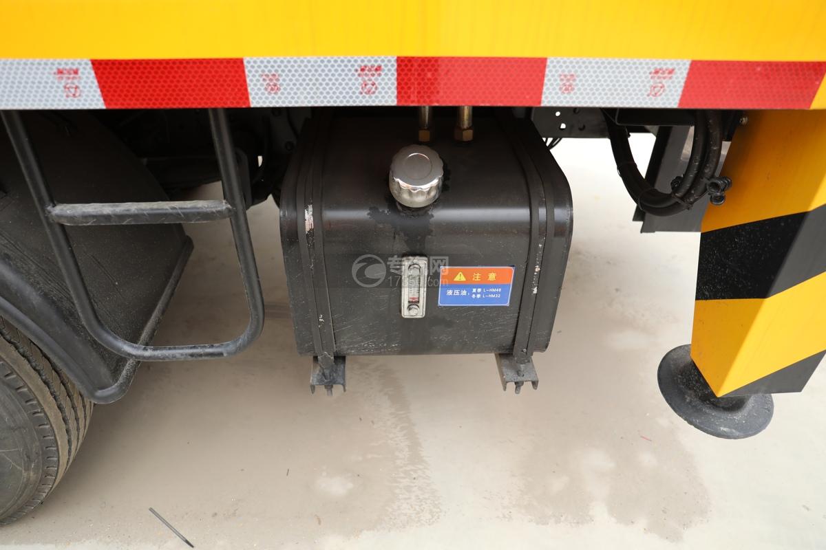 江西五十铃ELF双排EC5国六17.5米折叠臂式高空作业车液压油箱