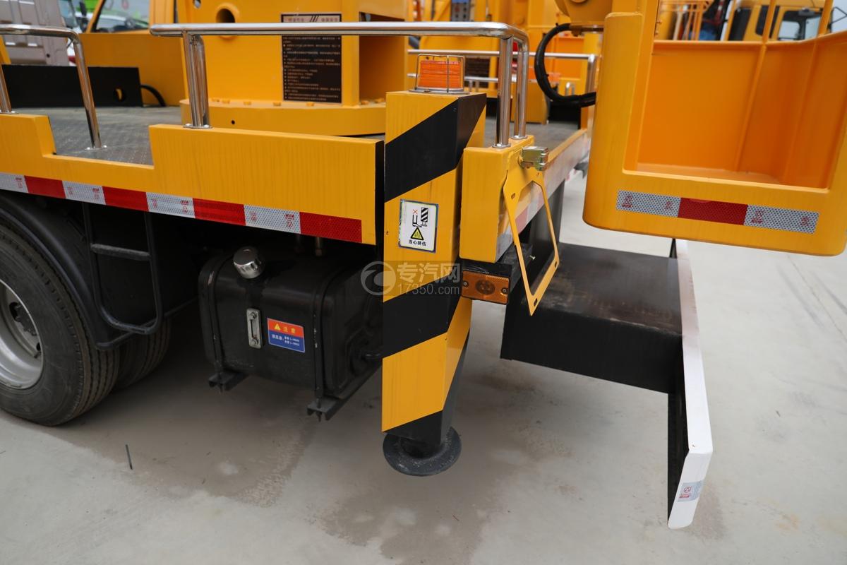 江西五十铃ELF双排EC5国六17.5米折叠臂式高空作业车后支腿