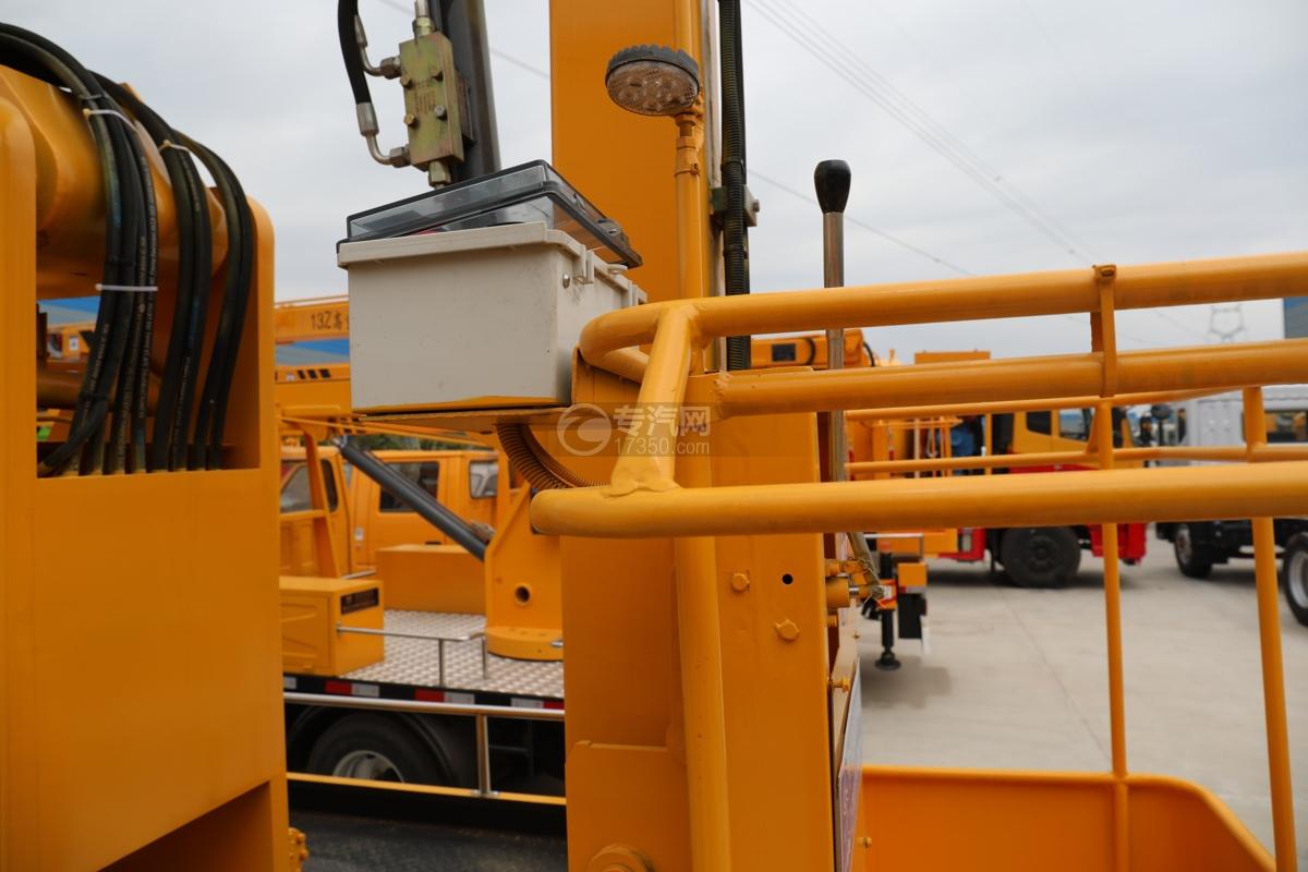 江西五十铃ELF双排EC5国六17.5米折叠臂式高空作业车工作栏操作盒