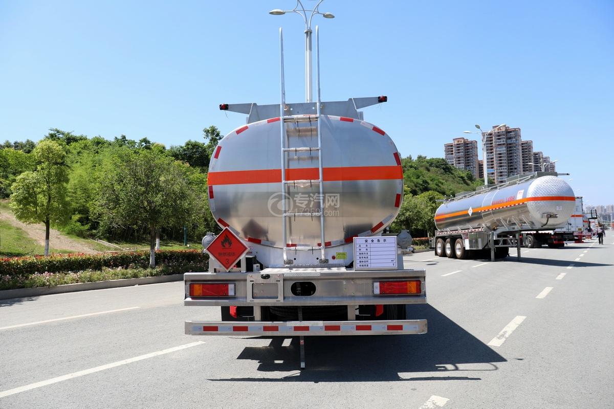 东风天龙KL前四后八国六25.3方铝合金运油车正后图