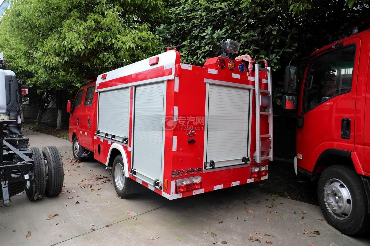 东风途逸双排国六水罐消防车侧后方图