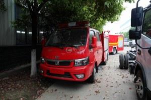 東風途逸雙排國六水罐消防車圖片