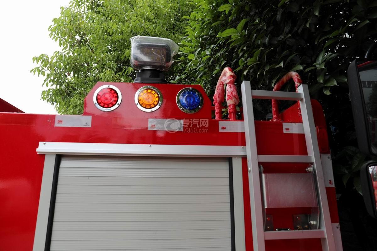 东风途逸双排国六水罐消防车外观警示灯