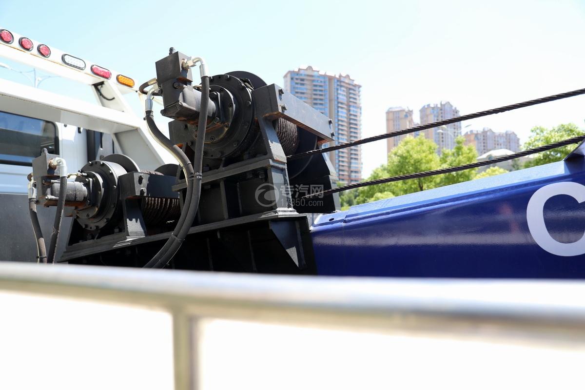 上汽红岩杰狮C6单桥国六拖吊联体清障车(白色)液压绞盘