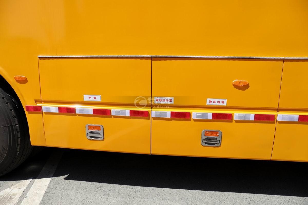 东风天龙VL后双桥国六移动电源车液压油箱