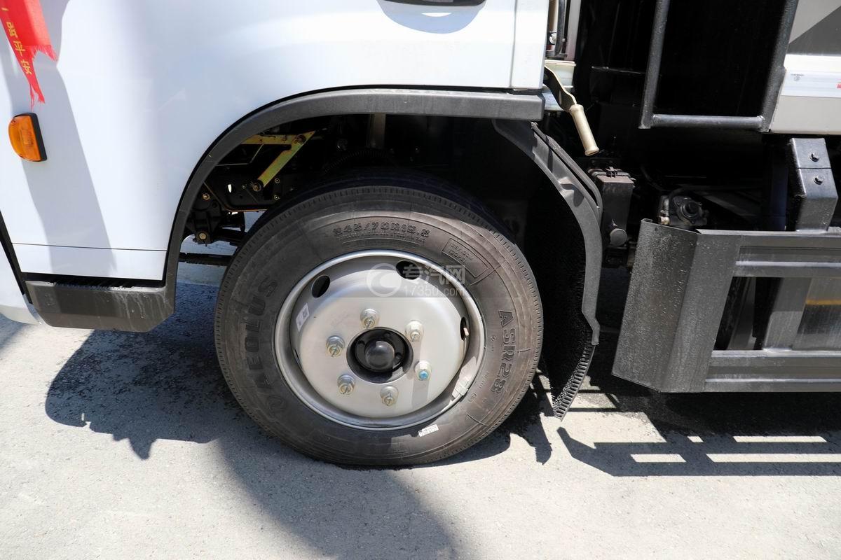 东风D6国六压缩式垃圾车轮胎