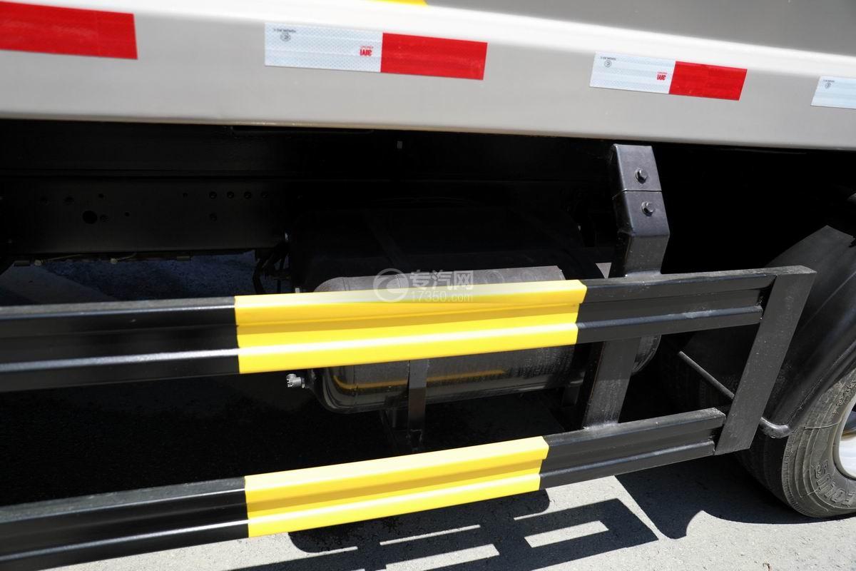 东风D6国六压缩式垃圾车储气罐