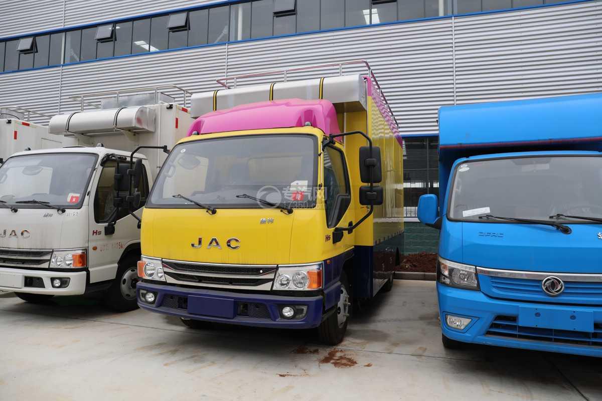 江淮康铃H5国六移动餐车(黄色)左前图
