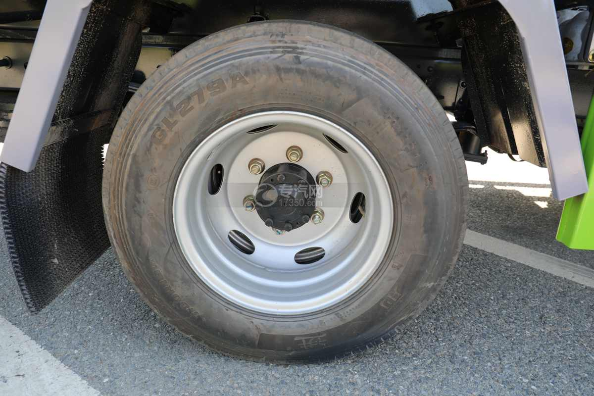 大运奥普力A3国六4.2方绿化喷洒车带雾炮轮胎