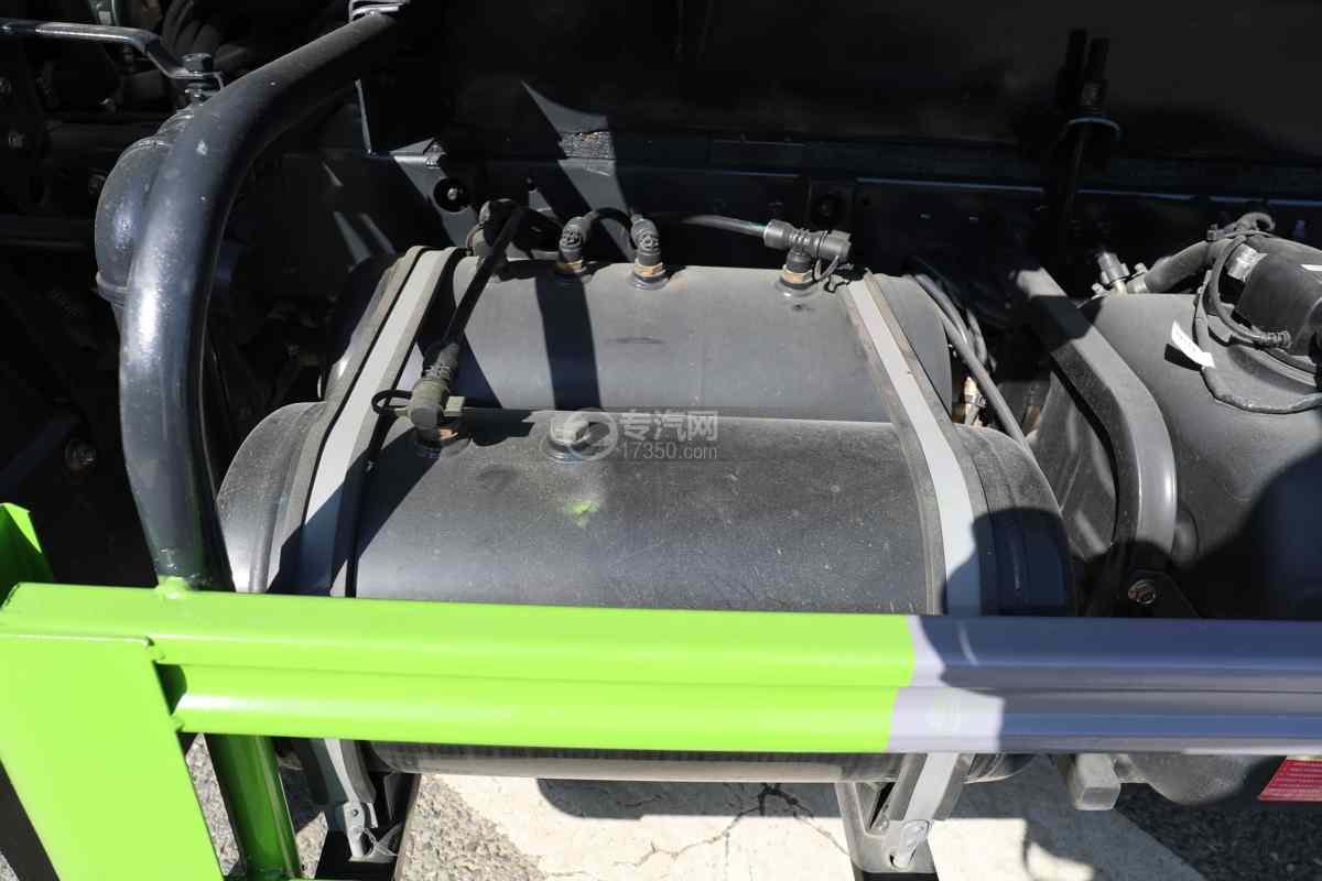 大运奥普力A3国六4.2方绿化喷洒车带雾炮储气罐