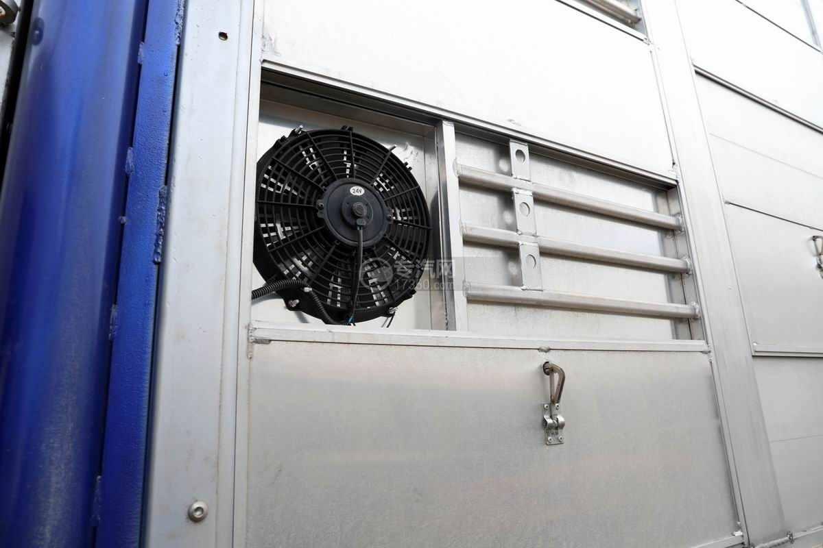 东风柳汽乘龙H5小三轴国六铝合金畜禽运输车排风扇