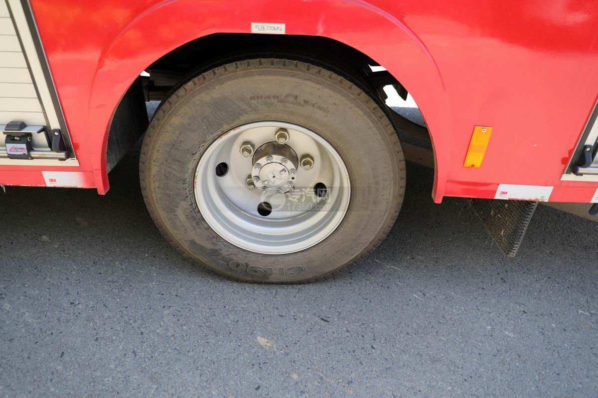 庆铃五十铃ELF双排国六泡沫消防车轮胎