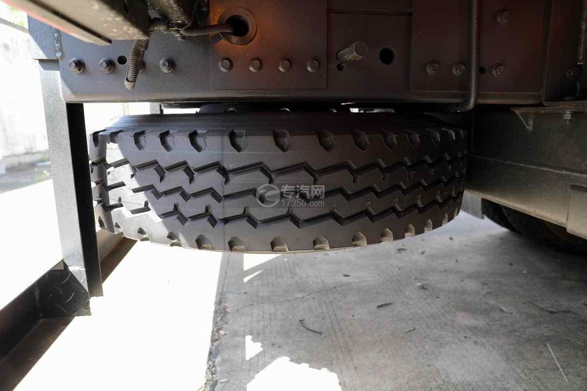 东风华神F5单桥国六8吨直臂随车吊备胎