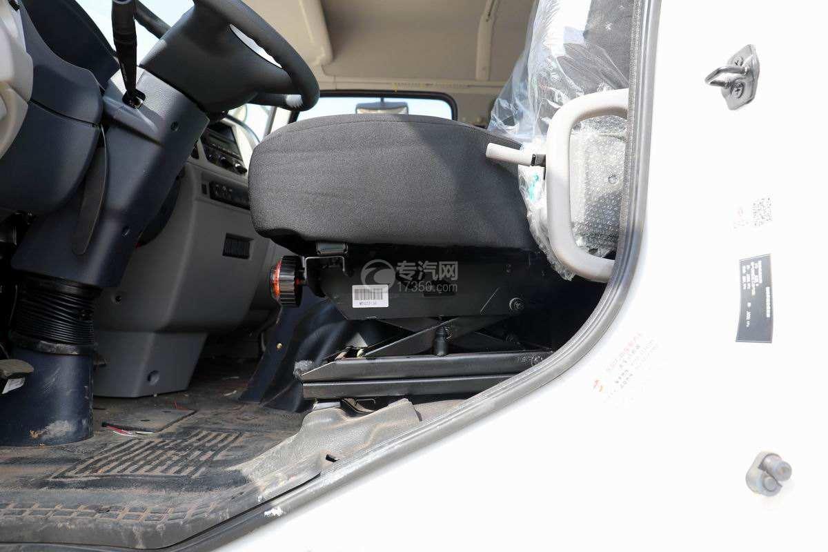 东风天锦VR单桥国六230马力压缩式垃圾车座椅