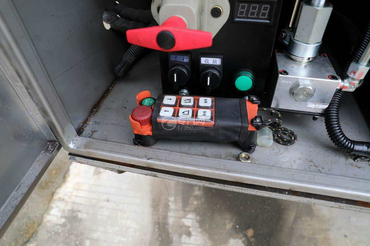 解放J6L单桥国六铝合金畜禽运输车(新款)遥控器