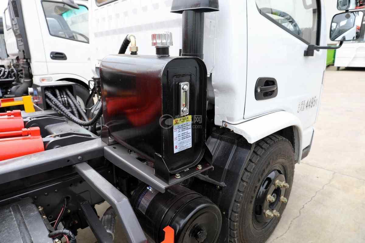 南骏新款国六车厢可卸式垃圾车液压油箱
