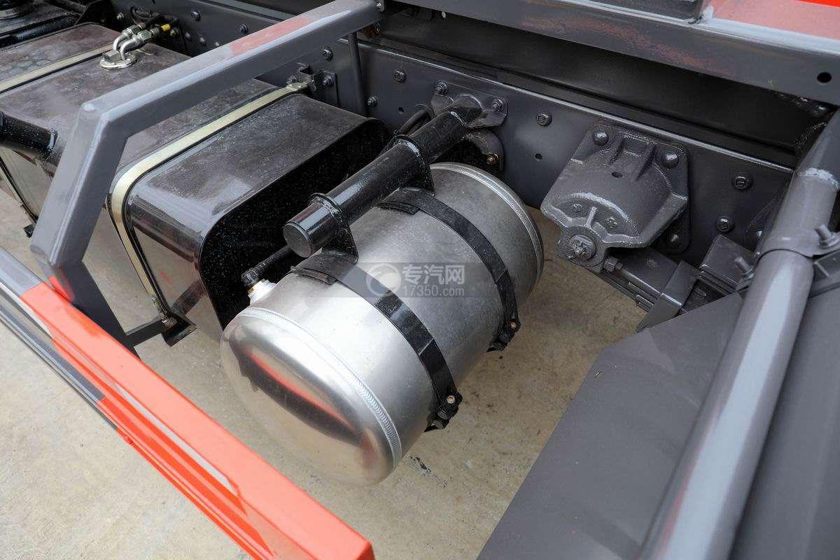南骏新款国六车厢可卸式垃圾车储气罐