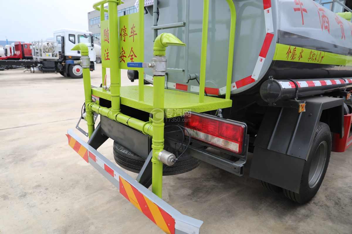 东风多利卡D6国六4方绿化喷洒车工作平台