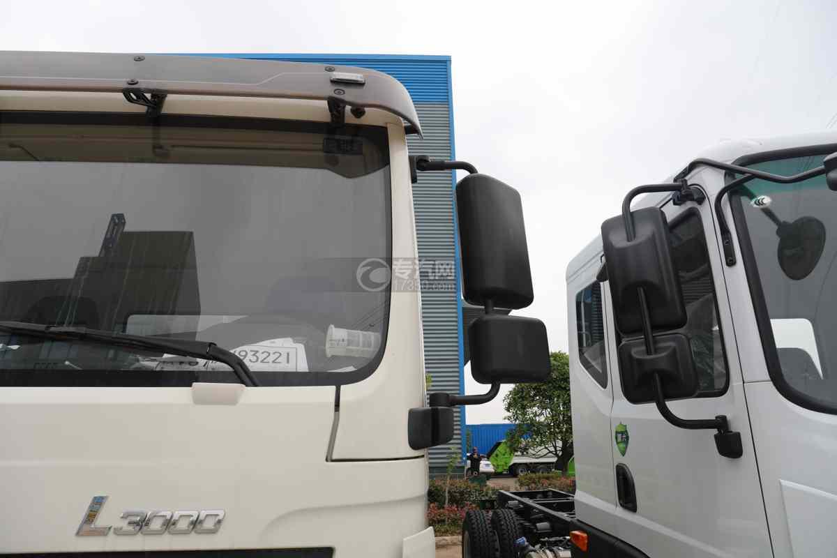陕汽德龙L3000国六14.49方绿化喷洒车后视镜