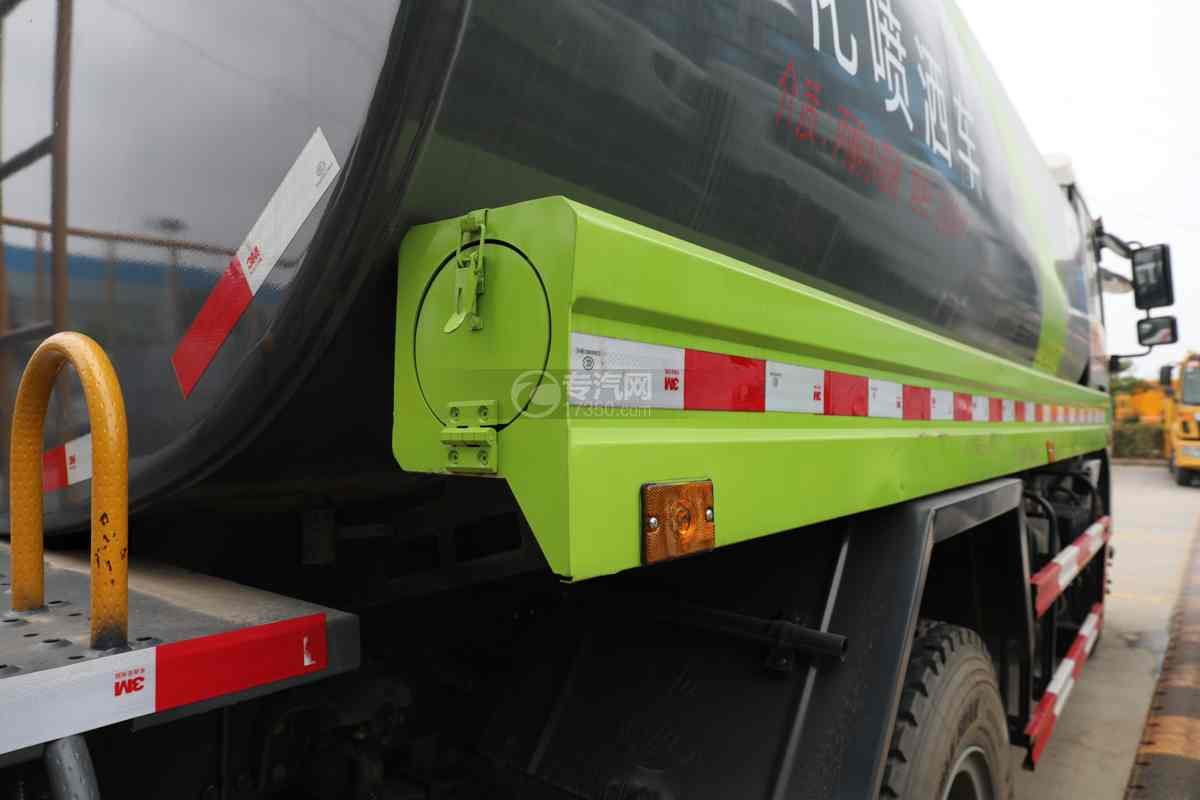 陕汽德龙L3000国六14.49方绿化喷洒车炮筒