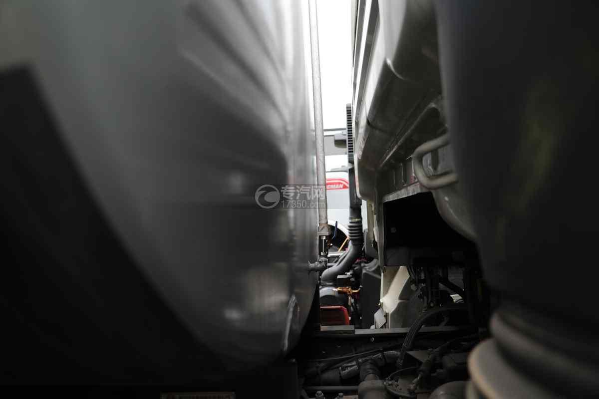 陕汽德龙L3000国六14.49方绿化喷洒车量管