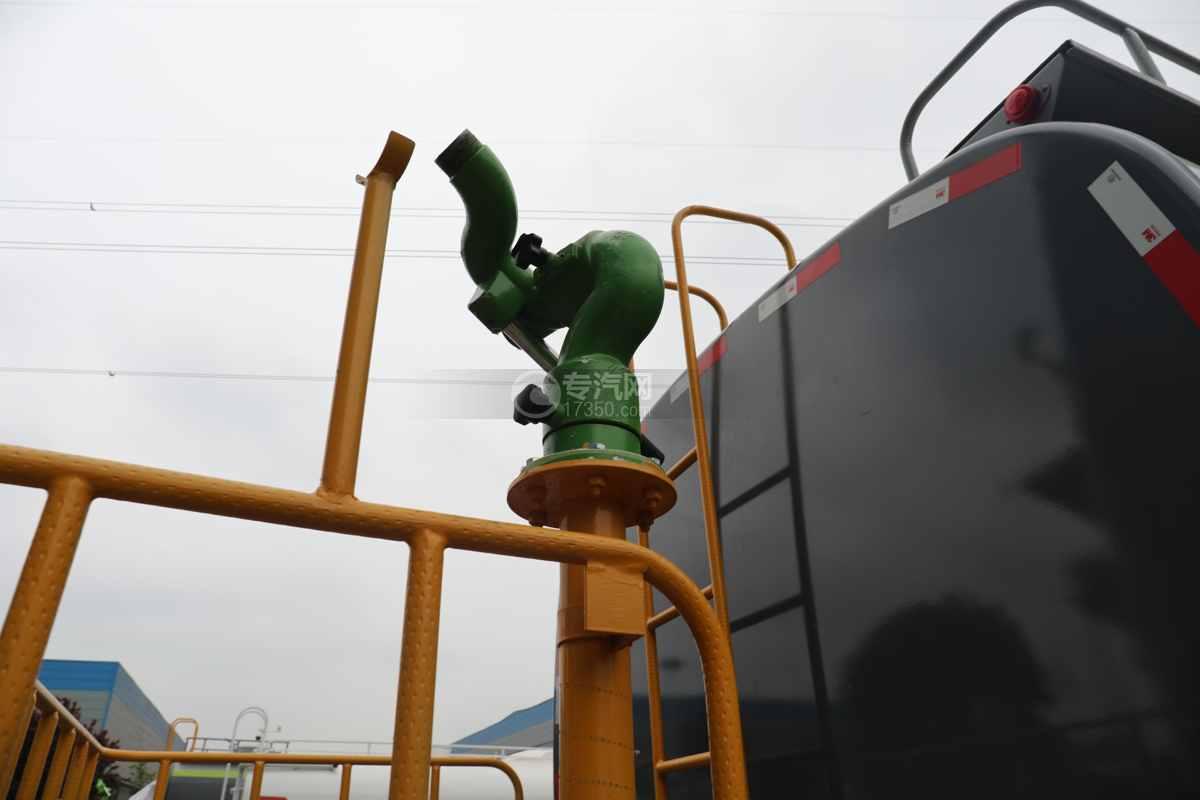 陕汽德龙L3000国六14.49方绿化喷洒车洒水炮