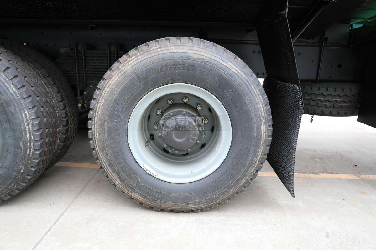 陕汽德龙新M3000前四后八国六40方绿化喷洒车带电子炮轮胎