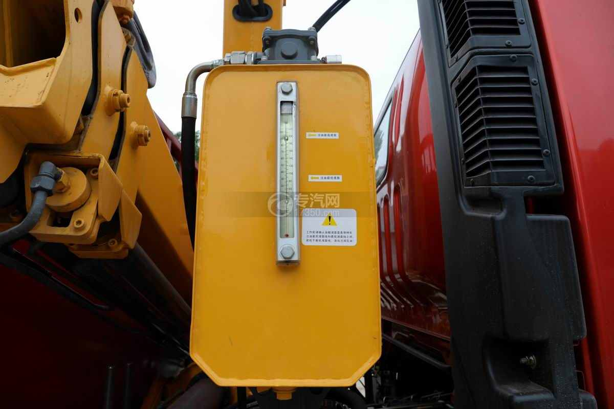 湖北大运G6单桥国六4吨折臂随车吊液压油箱