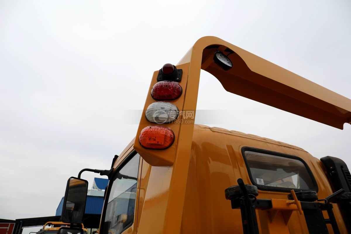 湖北大运G6单桥国六一拖二黄牌清障车(黄色)警示灯