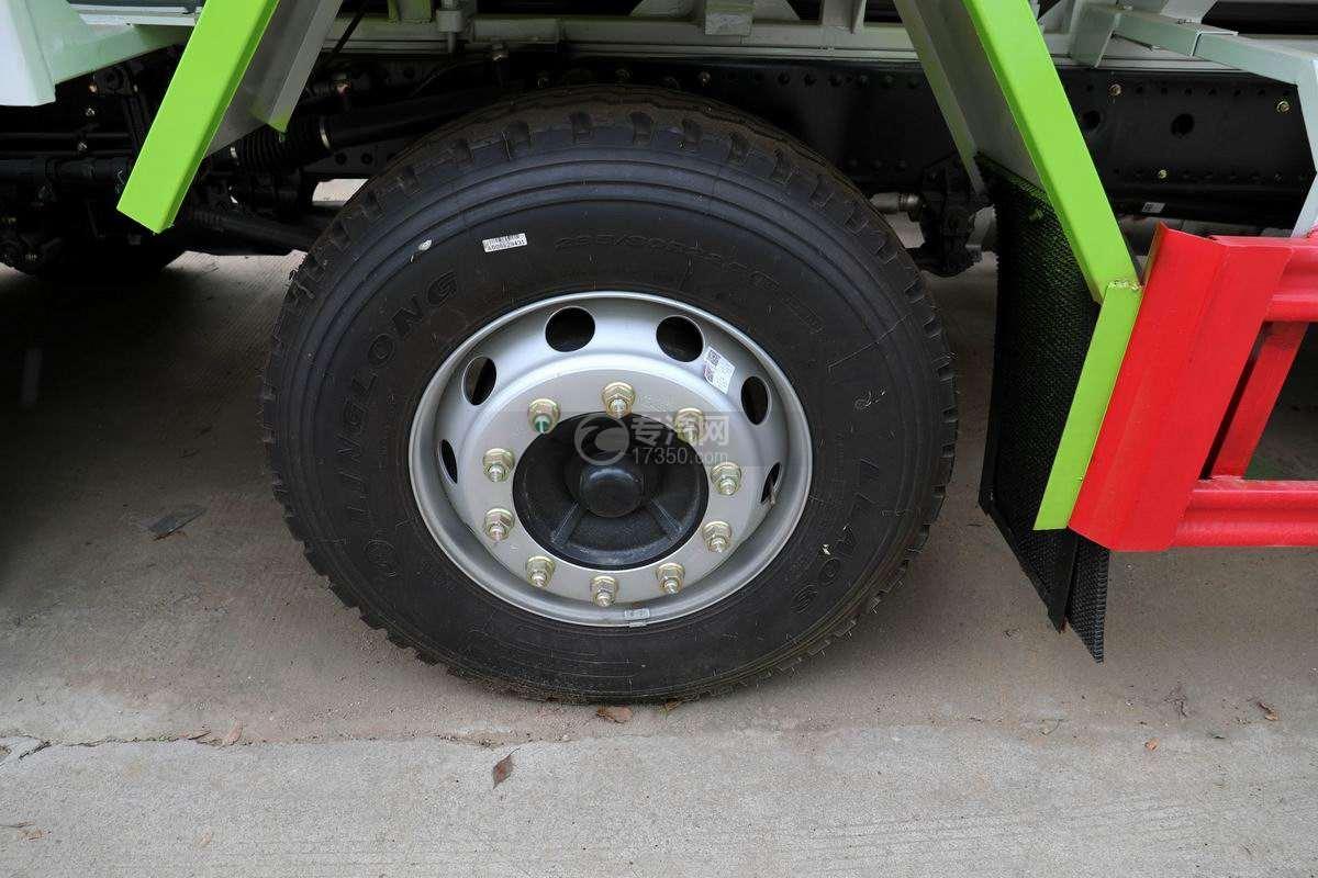 东风华神T5小三轴国六散装饲料运输车轮胎