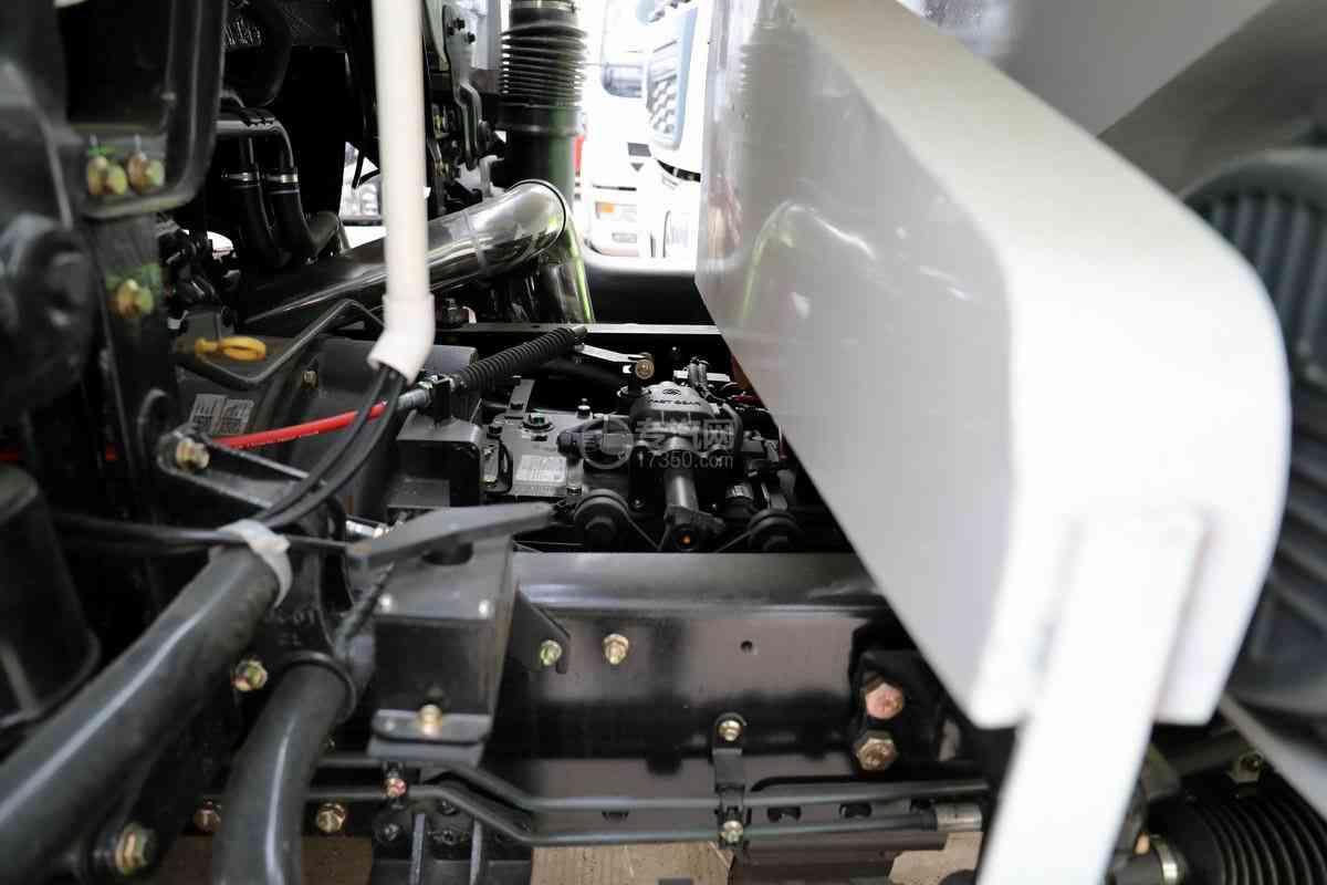 东风华神T5小三轴国六散装饲料运输车发动机