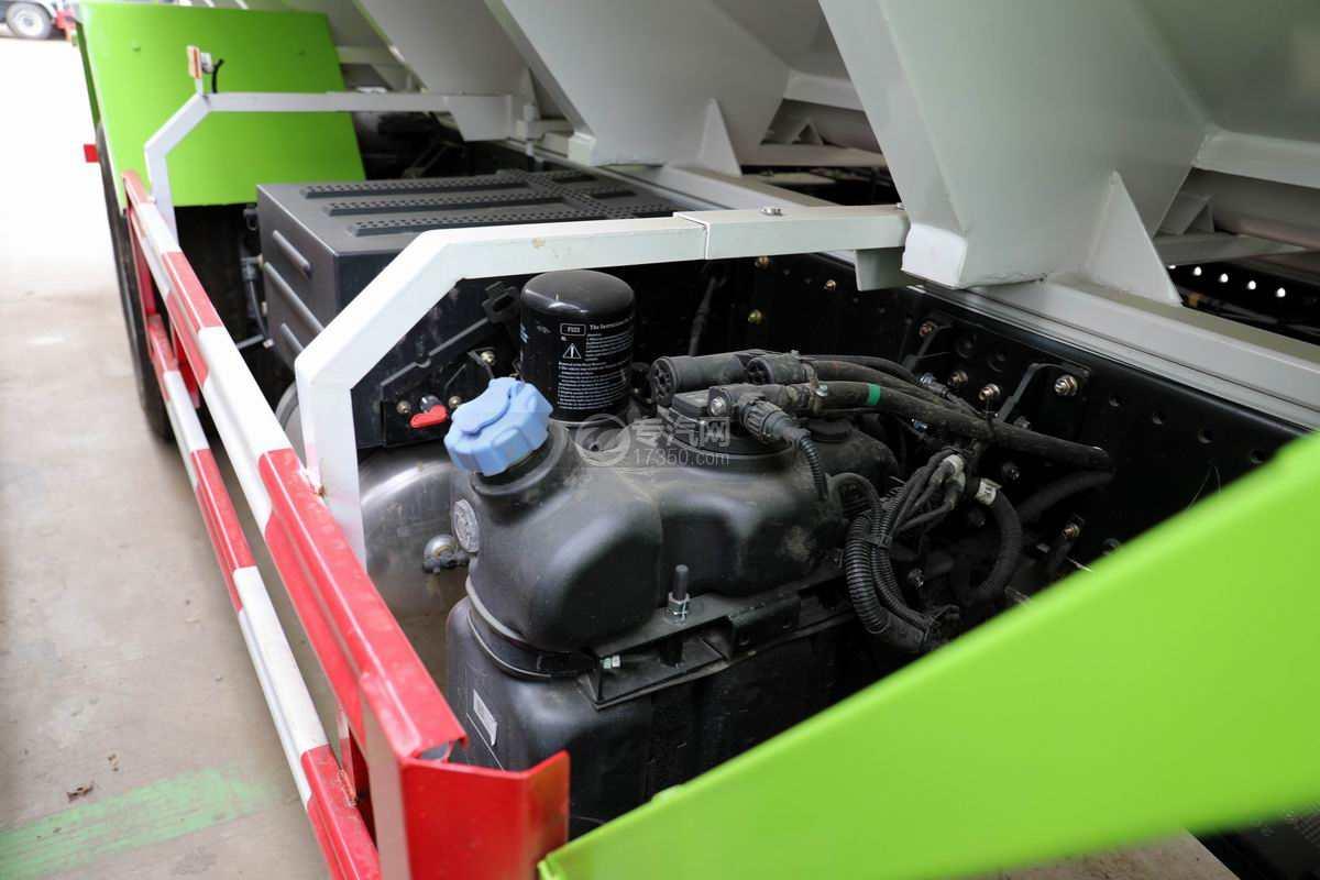 东风华神T5小三轴国六散装饲料运输车尿素箱