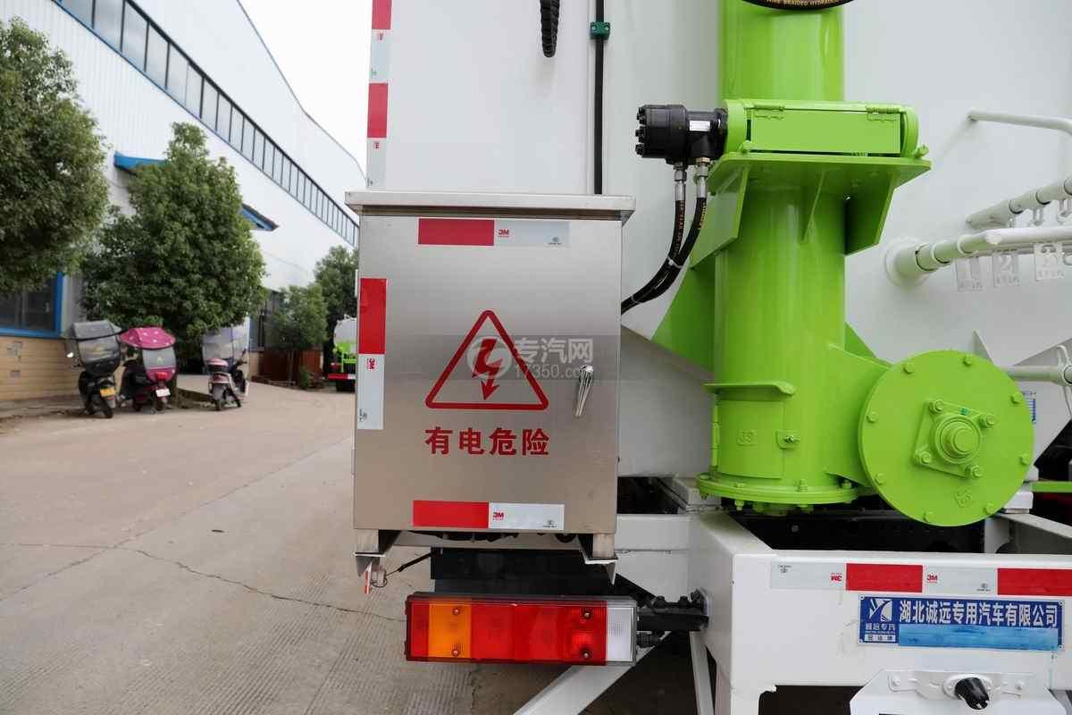 东风华神T5小三轴国六散装饲料运输车配电箱