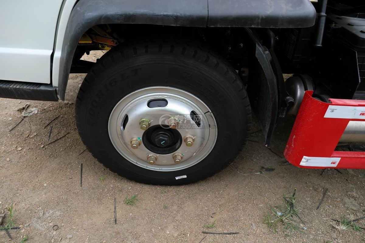 一汽红塔解放霸玲国六车厢可卸式垃圾车轮胎