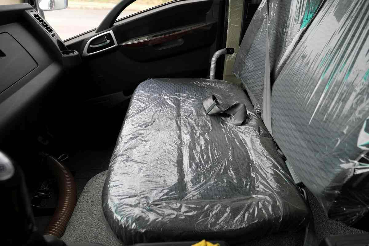 大运奥普力单排国六压缩式垃圾车座椅