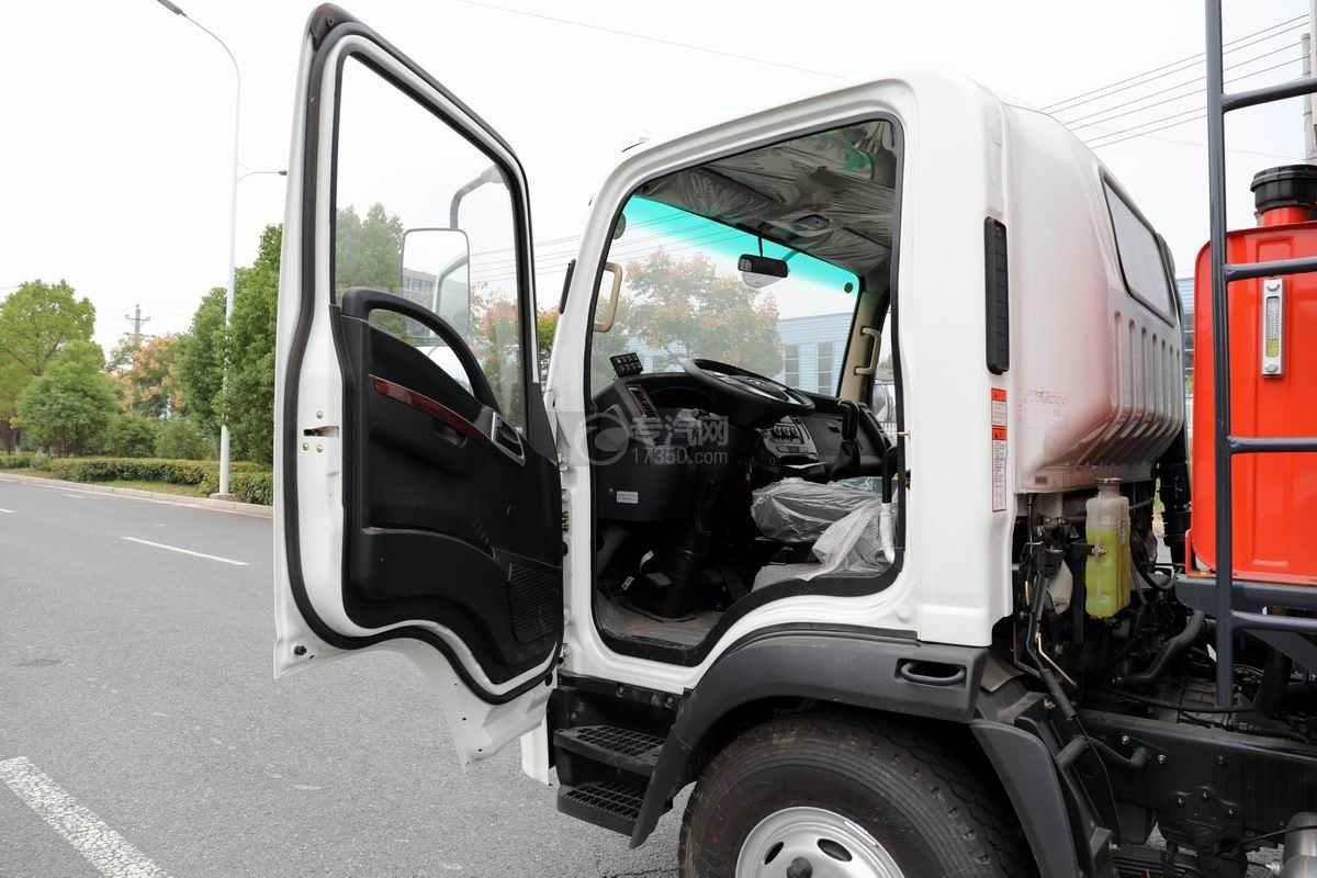 大运奥普力单排国六压缩式垃圾车单排驾驶室