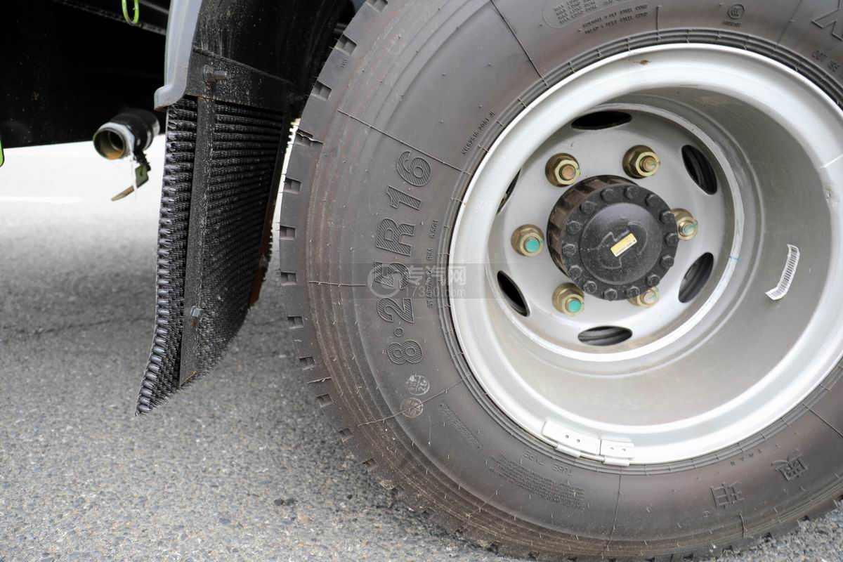 大运奥普力单排国六压缩式垃圾车轮胎规格
