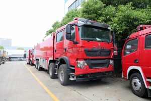 重汽豪沃TX前四后八國六泡沫消防車圖片
