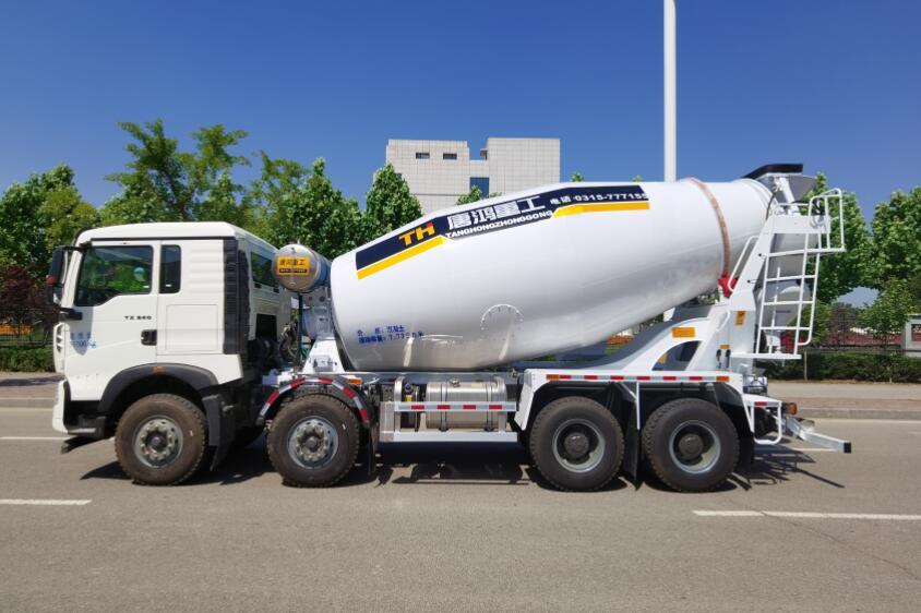 唐鴻重工牌XT5317GJBT5E12型混凝土攪拌運輸車