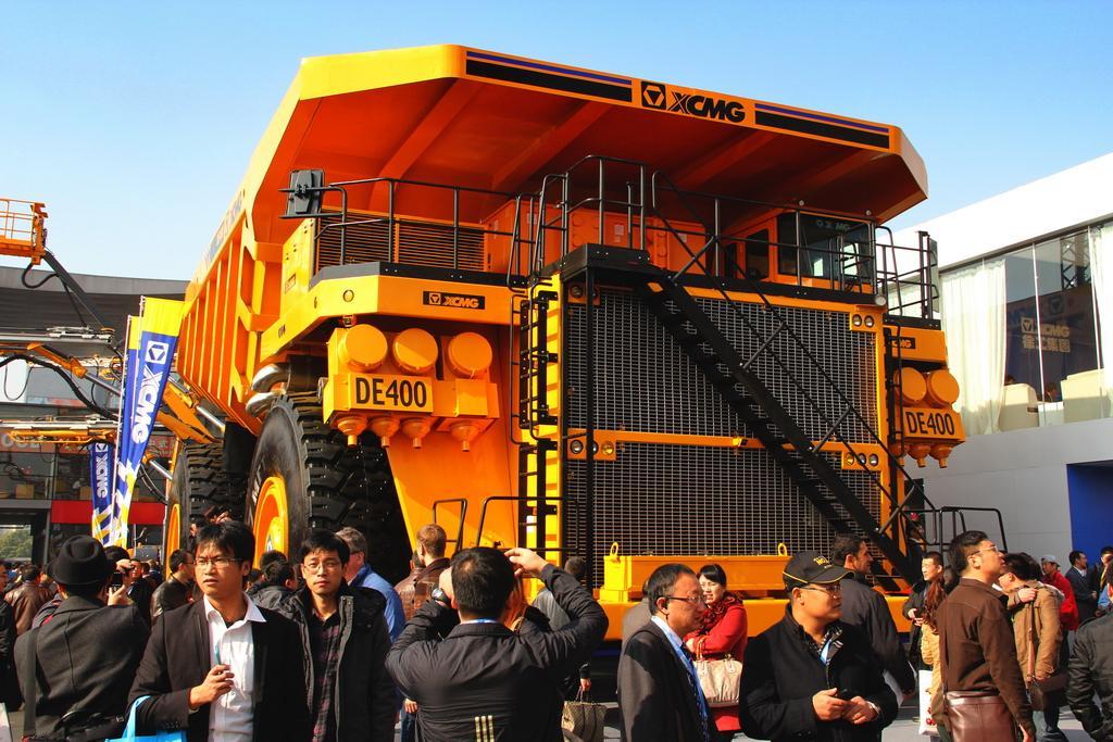世界上最大噸位的采礦自卸汽車