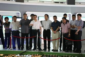 济南市科协领导一行到中国重汽参观调研