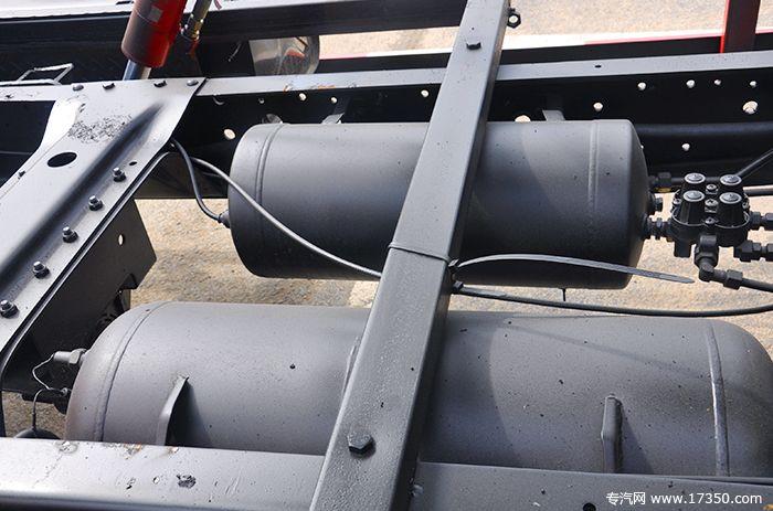 刹车时用的气刹坛