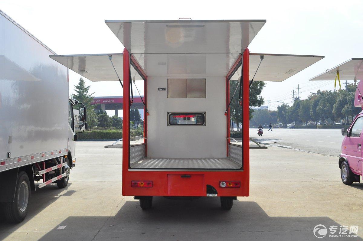 福田伽途T3国五流动售货车后面