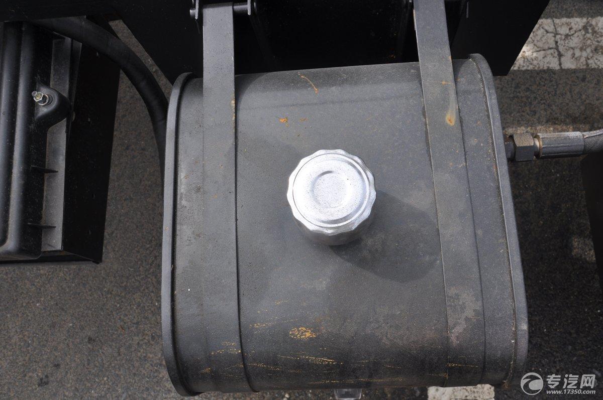 东风多利卡一拖二清障车液压油箱