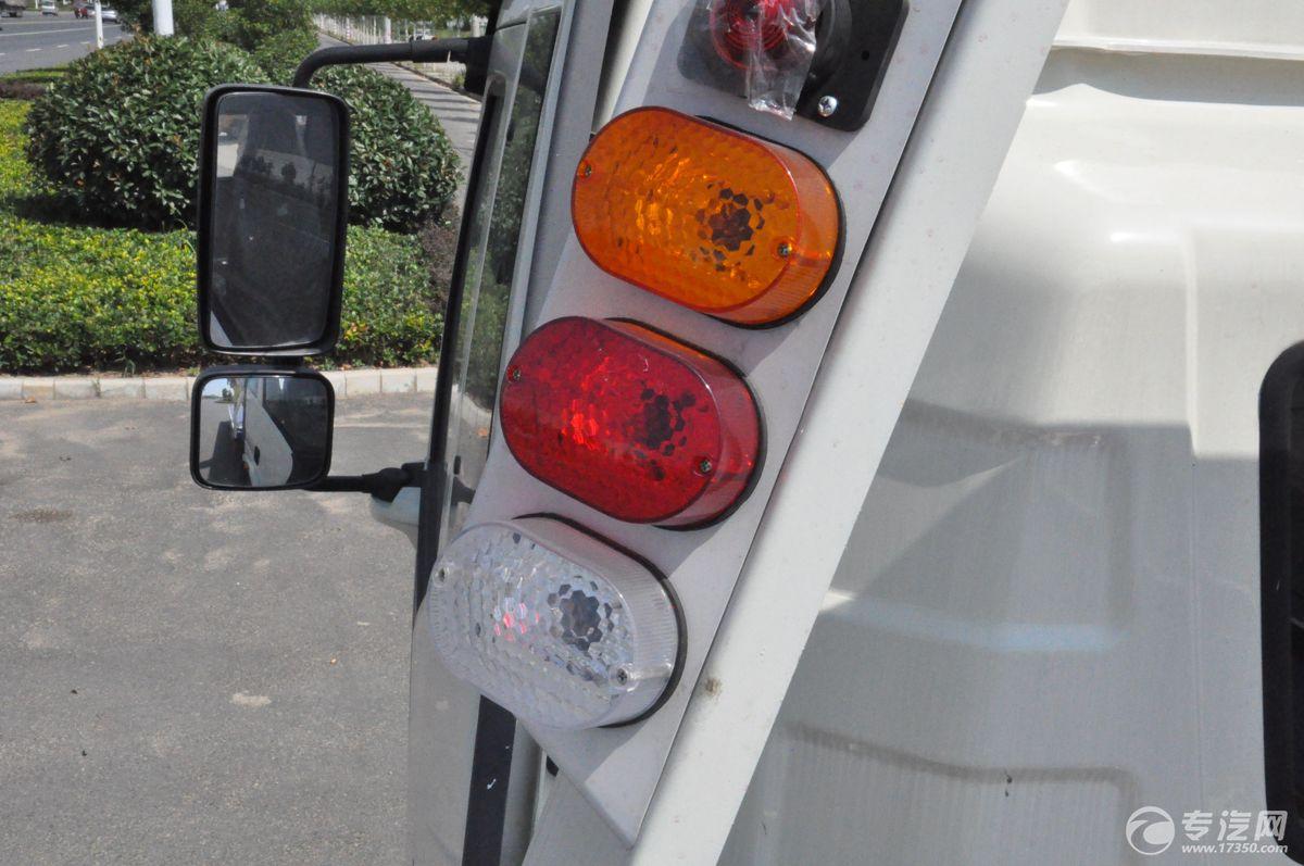 解放J6一拖二清障车警示灯