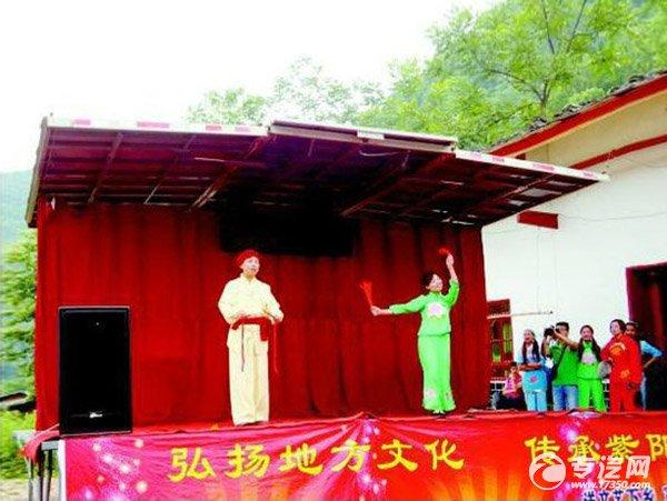 紫阳县购流动舞台车 民歌演出受热捧